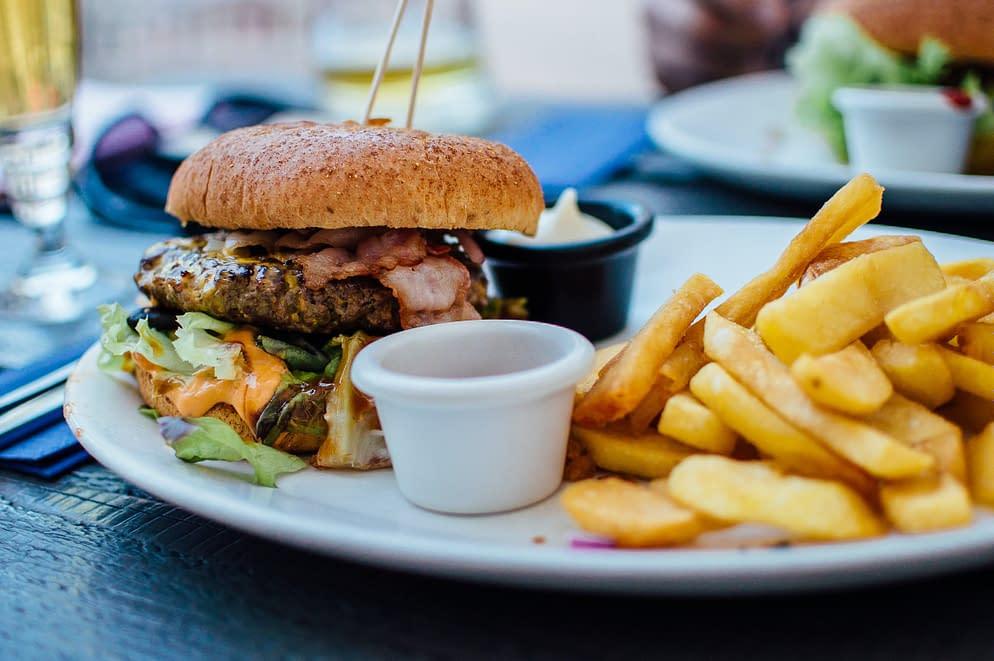 junk food, burger and frites