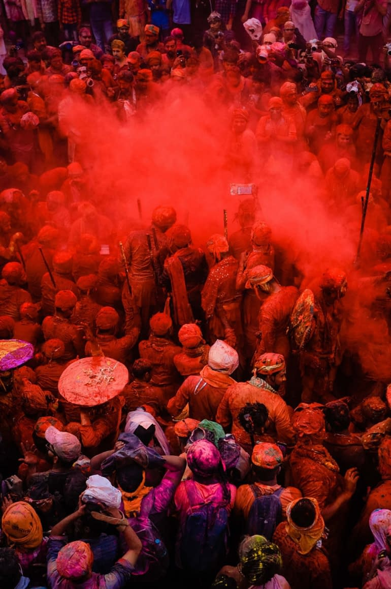 an indian feast, crowd of people