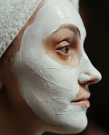 facial mask with joghurt